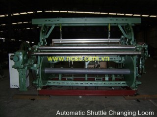 Automatic Shuttle Changing Loom